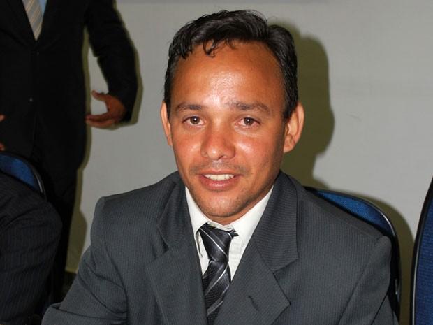 O vereador Ronildo da Costa (PMDB) assumiu a Câmara de Rosana (Foto: Reprodução/Câmara Municipal)