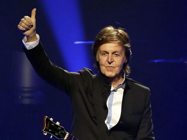 Paul McCartney durante show em Orlando, em 18 de maio de 2013 (Foto: AP Photo/John Raoux)