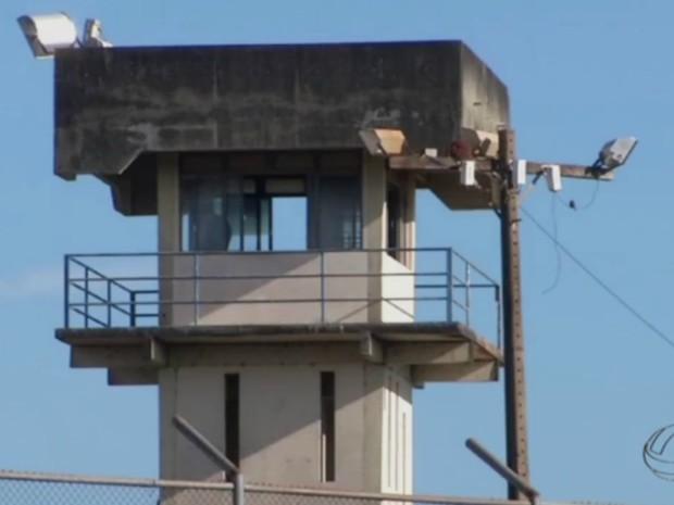 Policiais que fazem a guarda das muralhas poderão abater drones (Foto: Reprodução/ TV Morena)