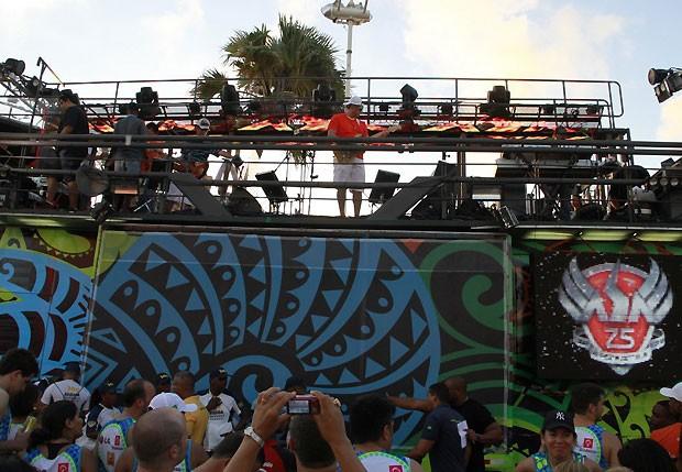 411f78ac02 Começou! Asa de Águia abre o Carnaval de Salvador - Quem