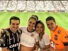 Belutti leva a mulher grávida para assistir partida do Corinthians em SP