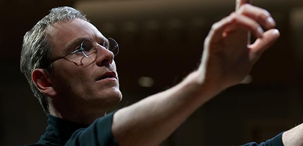 Michael Fassbender no papel de Jobs - o trabalho dele é impecável, mas pouca gente quis pagar ingresso para ver (Foto: Divulgação)