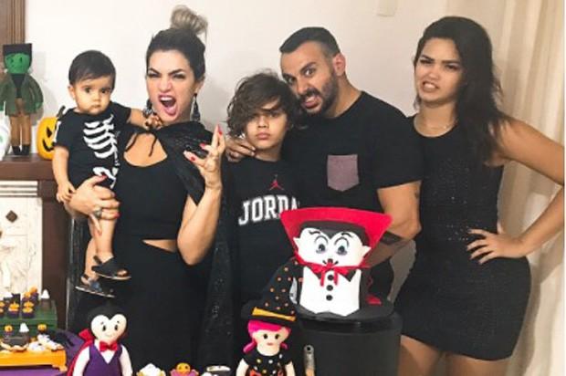 Kelly Key com a família (Foto: Reprodução/Instagram)