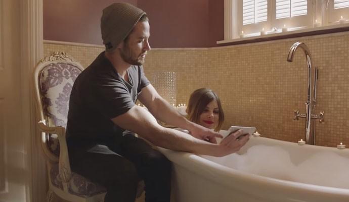 Startup norte-americana ManServants promete 'servos masculinos' para atender mulherese gays.