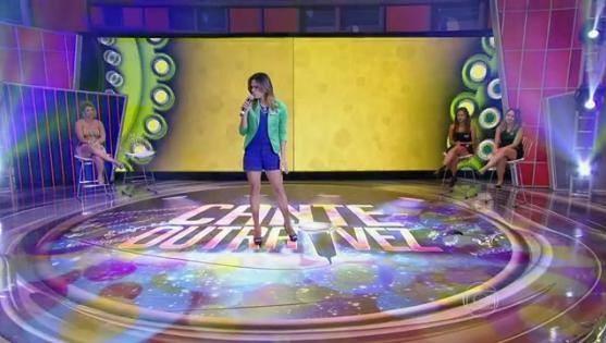 Bruna Borges cantou Luz Dos Olhos (Foto: Reprodução)