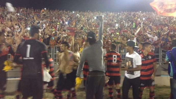 campinense x bahia no amigão torcida faz festa (Foto: Hévilla Wanderley / GloboEsporte.com/pb)
