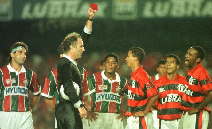 Expulsão na final do Carioca 1995 Gol de Barriga (Foto: Conteúdo Estadão)