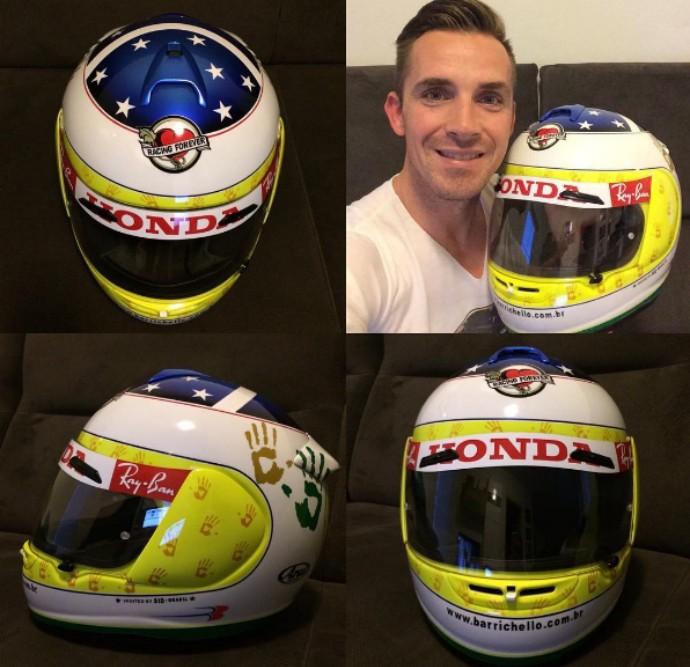 Adam com a réplica do capacete especial usado por Rubinho no GP do Brasil de 2006 (Foto: Reprodução)