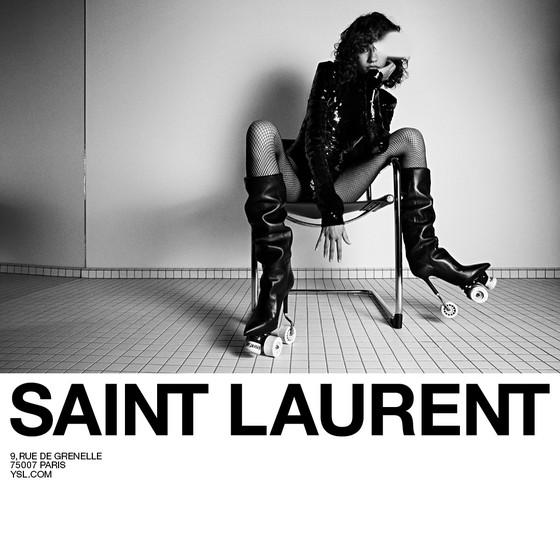 Fernanda Oliveira virou queridinha de Anthony Vaccarelo, diretor criativo da Yes Saint Laurent, e estrela nova campanha da marca (Foto: Divulgação)