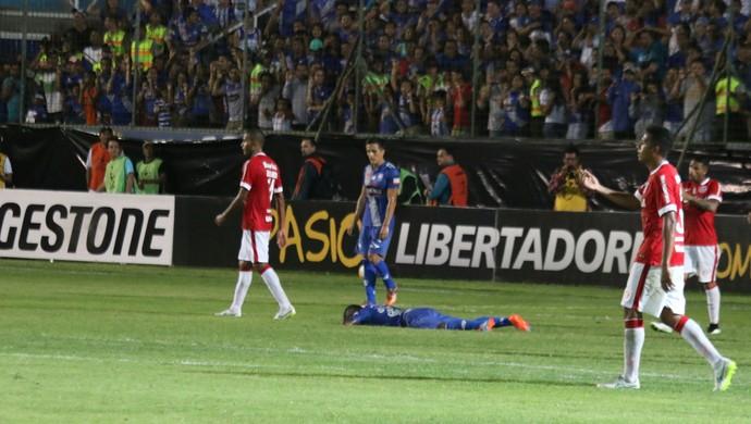 Emelec x Internacional Bolaños (Foto: Diego Guichard/GloboEsporte.com)