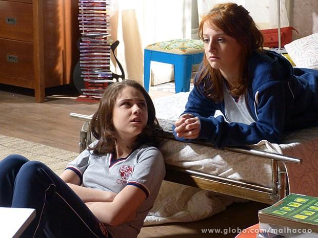 Giovana confronta Clara e descobre o segredo da amiga (Foto: Malhação / TV Globo)