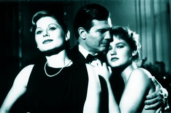 Como Dr. Osmar com Vera Fischer (Anna) e Xuxa Meneghel (Tamara) no filme ultraproibido 'Amor Estranho Amor', de Walter Hugo Khouri, 1980 (Foto: Divulgação)