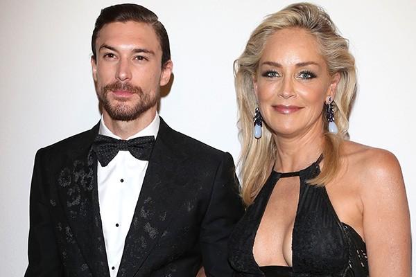 Vamos combinar que Sharon Stone, de 56 anos, deixa muita novinha no chinelo! Desde 2012, a estrela namora com Martin Mica, de 27 anos. (Foto: Getty Images)