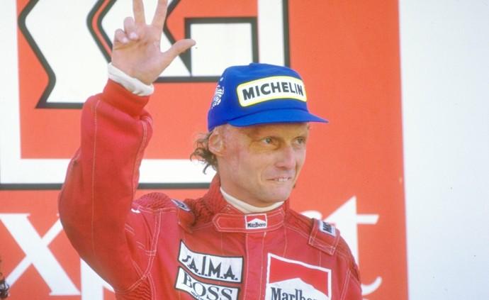Niki Lauda foi tricampeão em 1984, ao superar Alain Prost por apenas 0,5 pontos (Foto: Getty Images)