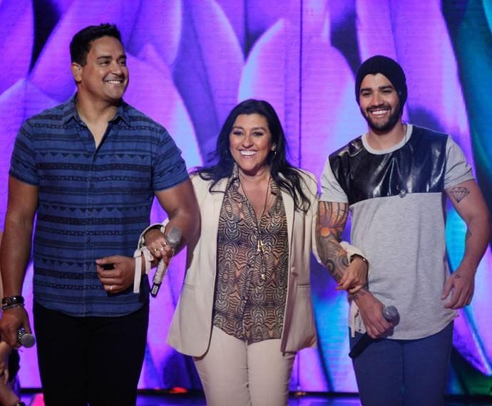 Regina Casé traz Xanddy e Gusttavo Lima para o palco (Foto: João Pedro Januário / Globo)
