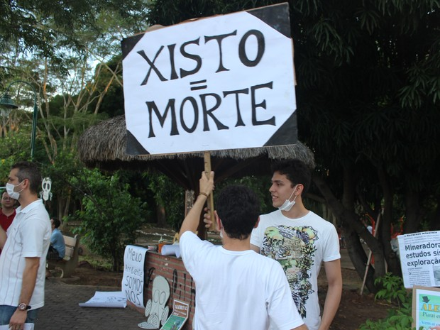 Grupo é contra a exploração de gás xisto no Piauí (Foto: Ellyo Teixeira/G1)