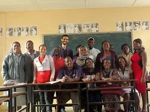 Professor de S. José passa temporada dando aulas voluntariamente na África (Foto: ArquivoPessoa/GlaucoSantos)