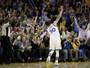 """Curry """"ressurge"""", bate recorde e rege a vitória dos Warriors sobre os Pelicans"""