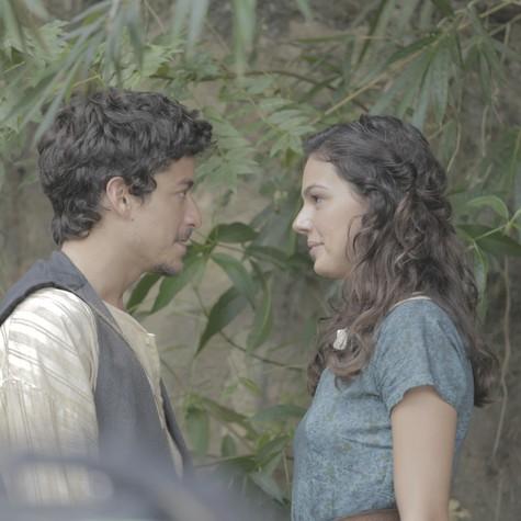 Jesuíta Barbosa e Isis Valverde (Foto: André Carioba/Divulgação)