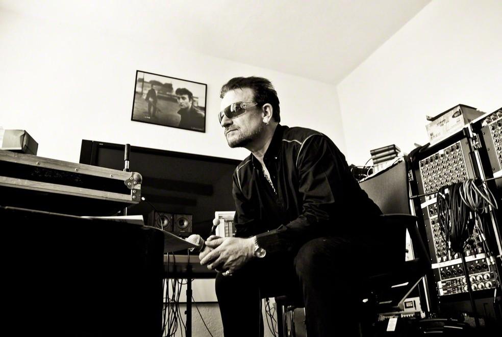 Foto de Bono Vox, parte da exposição 'Rock'n Roll Suite', de Julian Lennon (Foto: Divulgação / Julian Lennon)