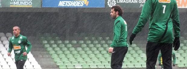 Lincoln e Gil, no treino do Coritiba (Foto: Divulgação / Site oficial do Coritiba)