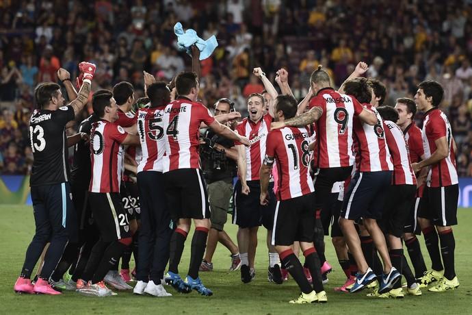 Athletic comemora conquista da Supercopa da Espanha (Foto: JOSEP LAGO / AFP)
