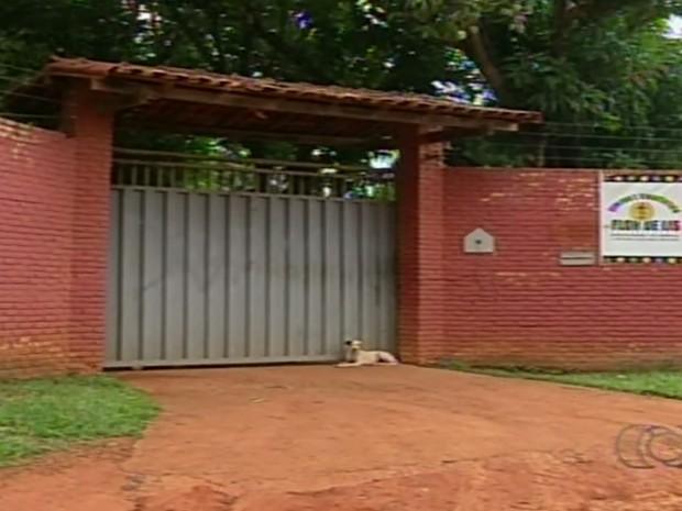 Clínica continua funcionando em Luziânia Goiás (Foto: Reprodução/TV Anhanguera)