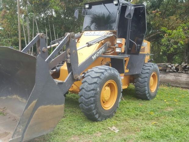 Resultado de imagem para Polícia recupera veículos pesados roubados, em Tomé-Açu