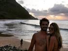 Rafa Brites compartilha foto romântica com Felipe Andreoli e diz: 'Nós 3'