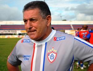 Ubirajara é um dos reveladores de talentos do futebol nacional (Foto: Felipe Martins/GLOBOESPORTE.COM)