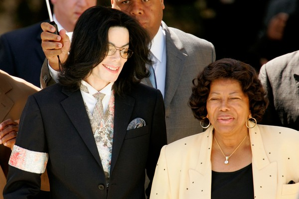 Michael Jackson e Katherine Jackson (Foto: Getty Images)
