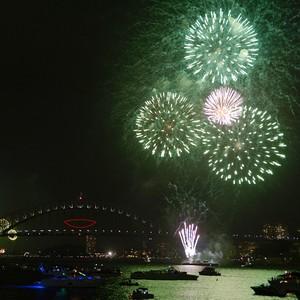 Veja fotos da chegada de 2014 pelo mundo (Greg Wood/AFP)