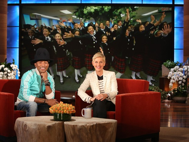 Ellen DeGeneres com Pharrell Williams (Foto: Getty Images)