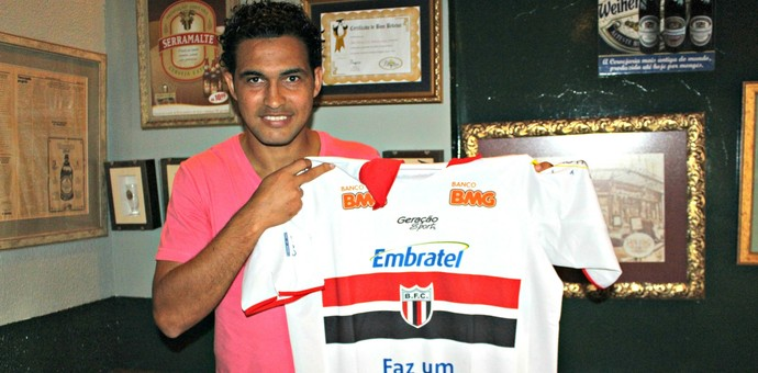 William Xavier é ídolo do Botafogo-SP (Foto: Hélder Rafael)