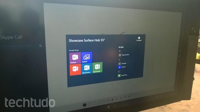 Surface tem Skype, OneNote e pacote Office (Foto: Elson Junior/TechTudo)