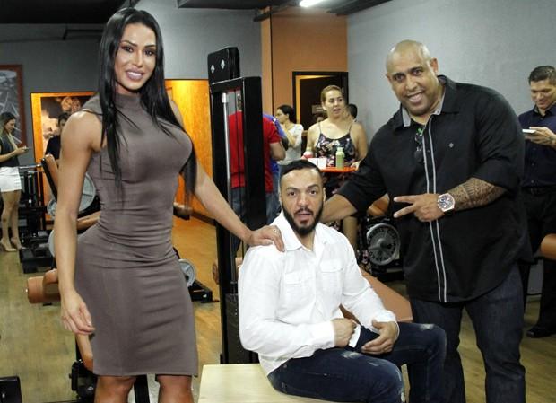 Gracyanne Barbosa, Belo e Xande Negão (Foto: Marcos Ferreira/Brazil News)