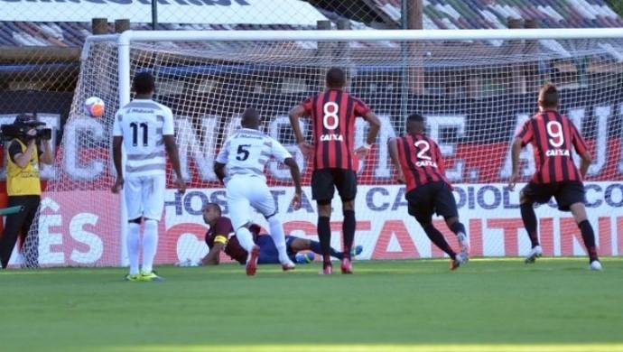 Goleiro Rodolfo em JMalucelli x Atlético-PR (Foto: Site oficial do Atlético-PR/Gustavo Oliveira)