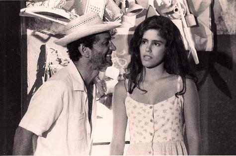 Juliana Martins com Nelson Xavier em 'Riacho doce', novela de 1990 (Foto: Arquivo pessoal)