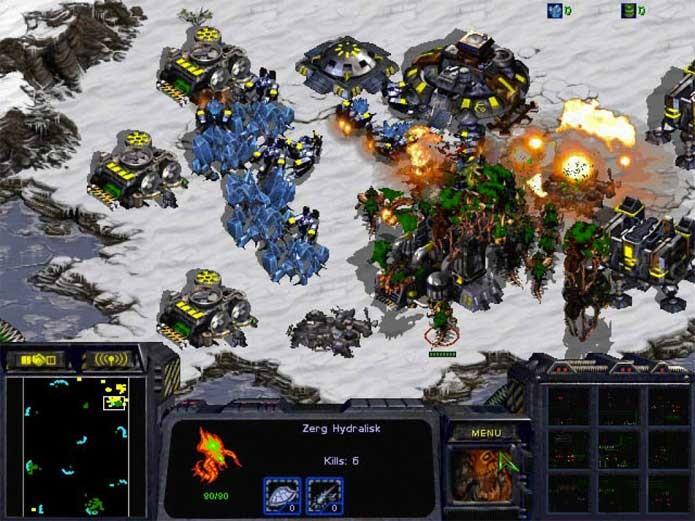 StarCraft: quanto mais você expande, mais poderoso fica (Foto: Reprodução/Felipe Vinha)