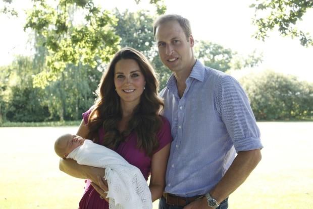 Kate Middleton e Príncipe William com o filho George (Foto: Michael Middleton / Divulgação)