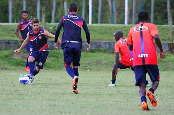 Nei César comanda treino do Sete de Dourados (Foto: Franz Mendes/Sete de Dourados)