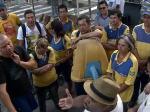 Funcionários dos Correios, em Campinas, entraram em greve (Foto: Reprodução / EPTV)