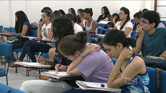 Estudantes entram na reta final para o Enem (Foto: Reprodução/TV Clube)