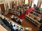 Vereadores de Curitiba discutem proposta de congelamento de salários