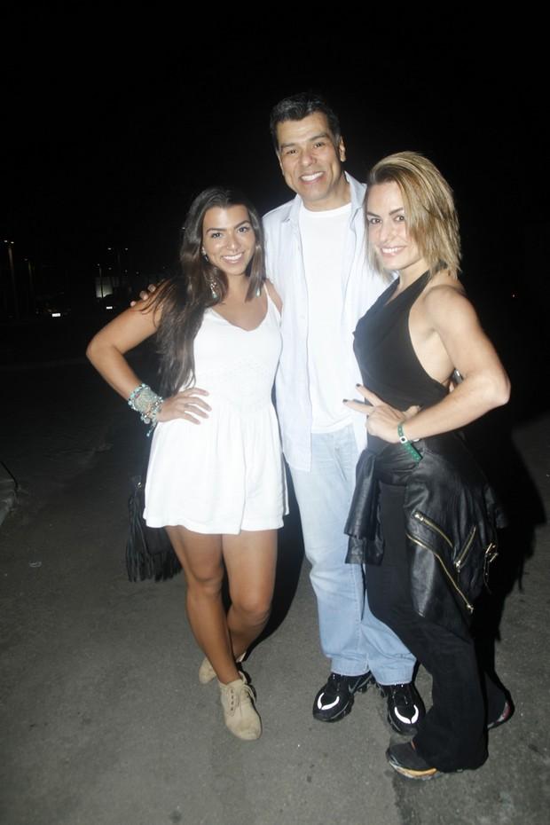 Maurício Mattar, Bianca Assumpção e Petra Mattar (Foto: Anderson Barros / Ego)