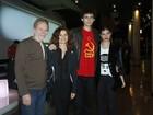 Debora Bloch vai com família a show de Gilberto Gil