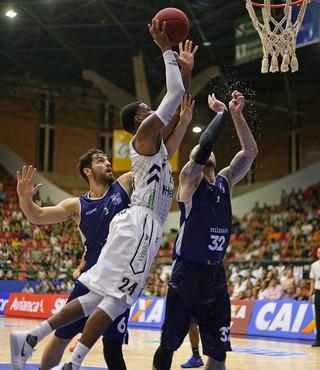 Mogi das Cruzes x Minas NBB basquete (Foto: Antonio Penedo/Mogi-Helbor)