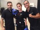 Bruna Marquezine usa roupa especial para malhar com personal trainer