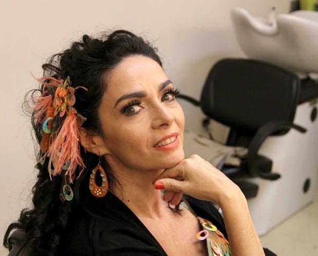 Claudia Ohana: 'Meus 50 anos vão ser como os 15' (Foto: Encontro com Fátima Bernardes/ TV Globo)