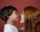 Mariah Rocha posa com filho / Foto: Paula Giolito